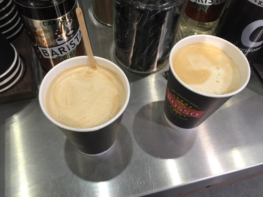 Auf dem Rückweg. Der Kaffee von 7-Eleven ist echt gut und ich bin auch nur ein bisschen Kaffeesüchtig.