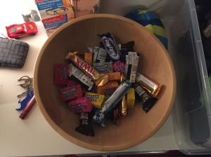 Halloween-Süßigkeiten vorher...